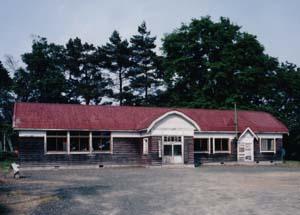 旧八幡丘小学校校舎